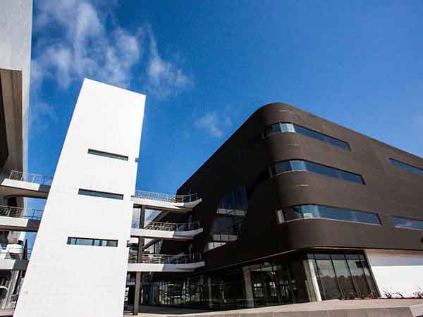 Distinctive cladding at Building 14 a shining success thanks to TAL