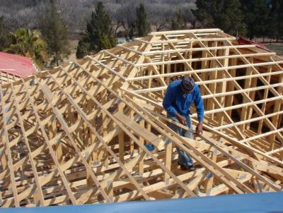 Site-made trusses vs. pre-manufactured trusses: The Facts! | Specifile