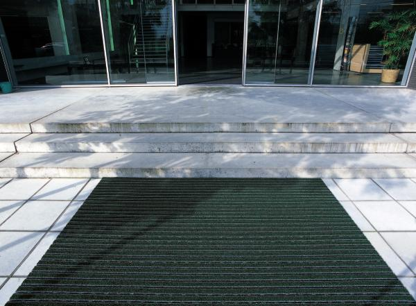 Trapping dirt - The importance of exterior and interior matting