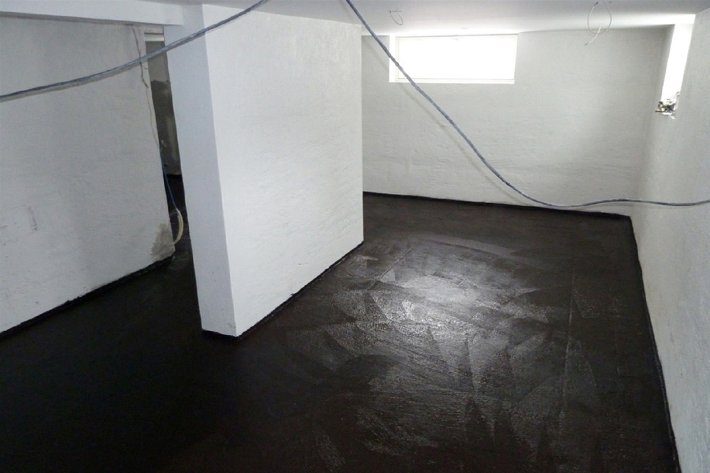 Creating a thick waterproofing layer in one step