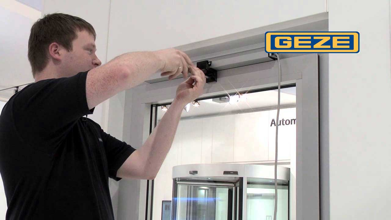 Installation Video GEZE Slimchain