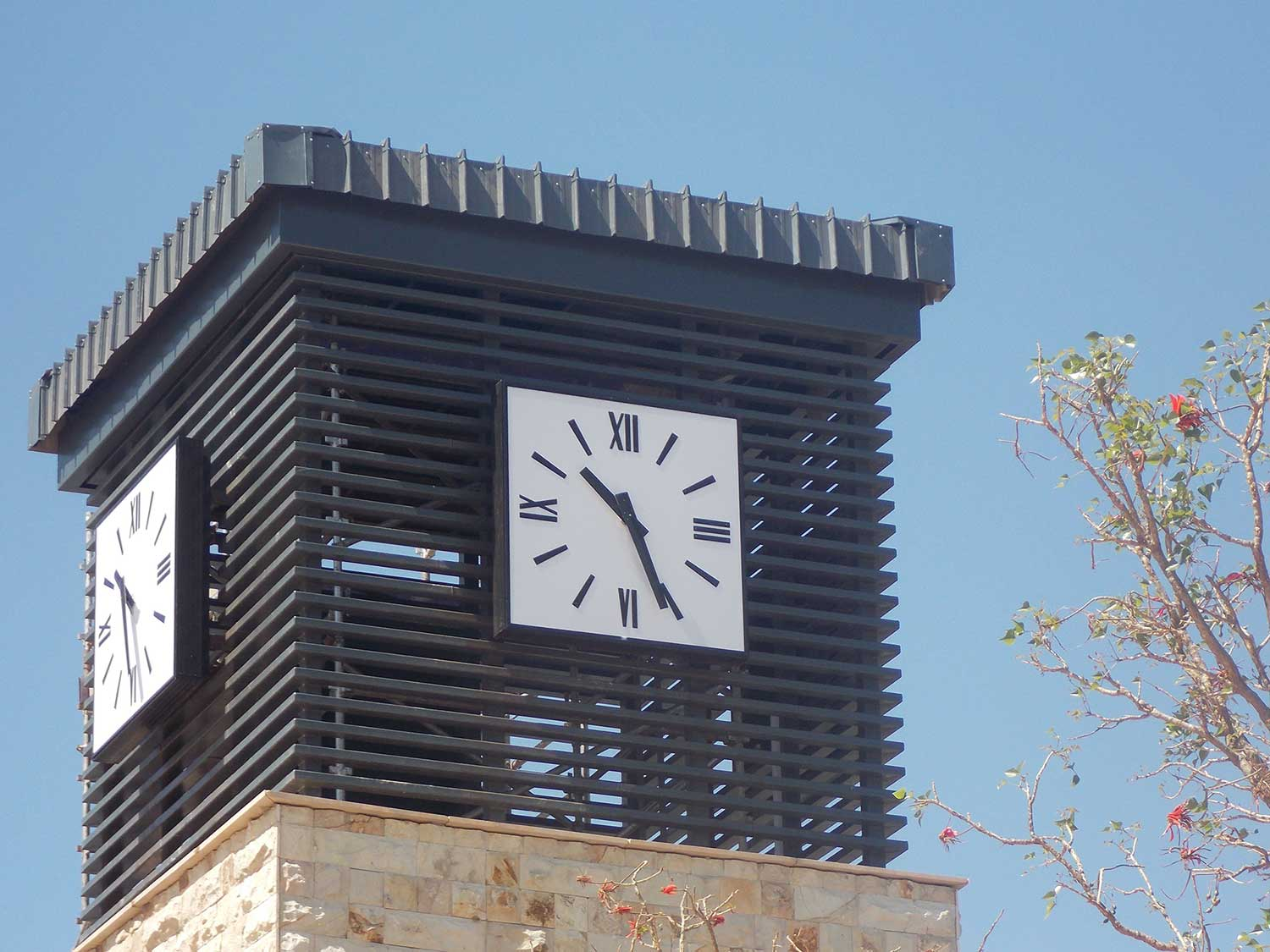 Tower clocks enhance your shopping centres