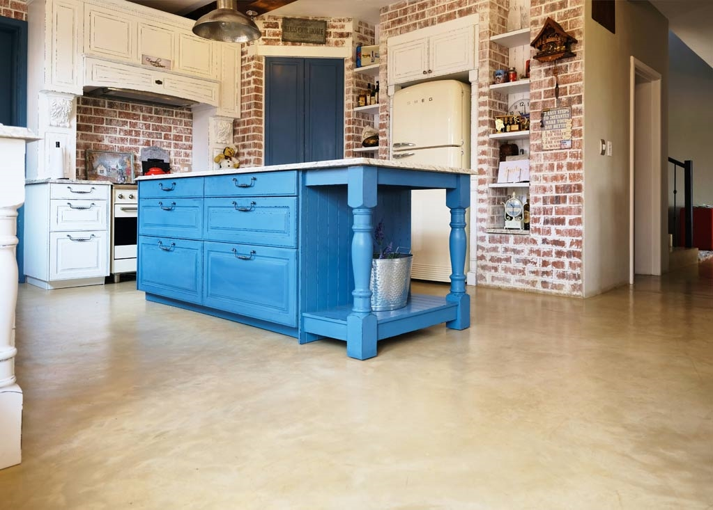 Farmhouse kitchen look with Cemcrete floor and wall coating products