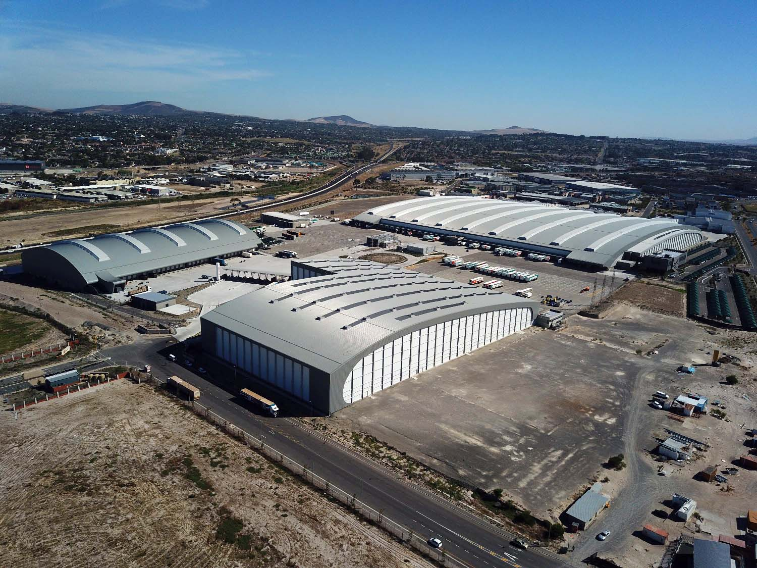Shoprite Climor Distribution Centre roofed in Klip-Tite steel sheeting