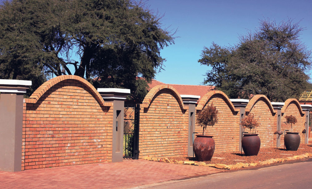 A R40 000 prize for your most loved Corobrik boundary wall!