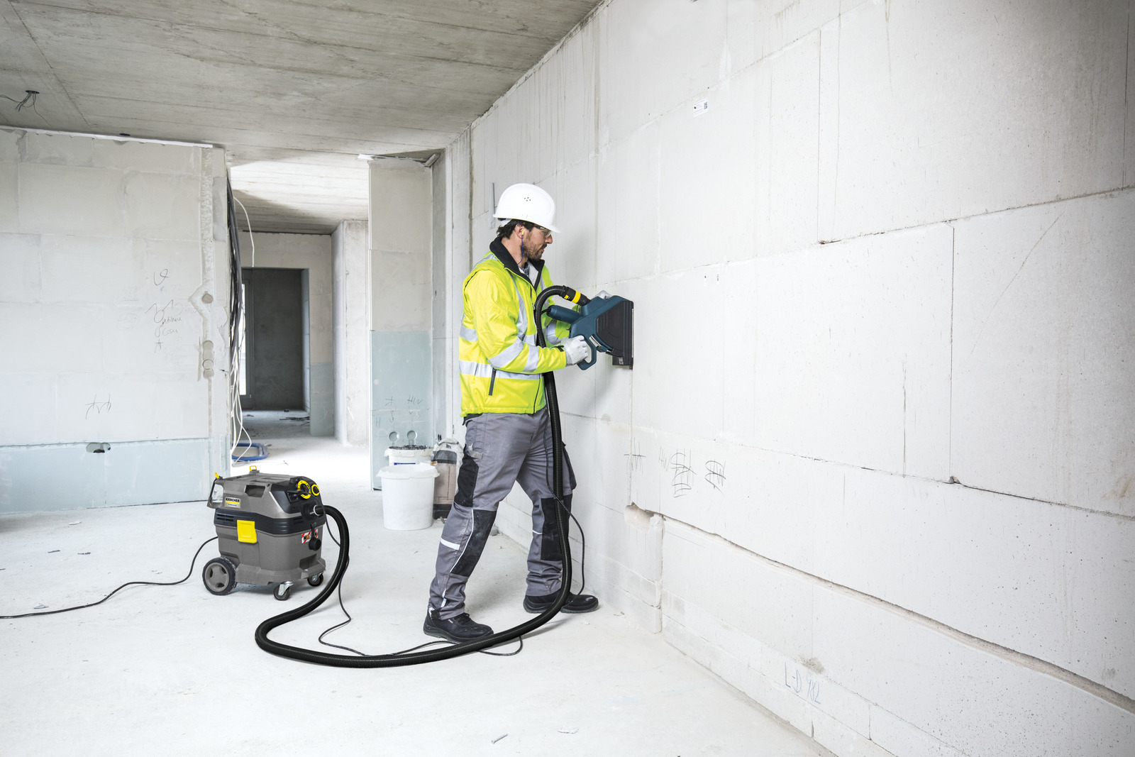 Safety vacuum cleaners protect operators' health