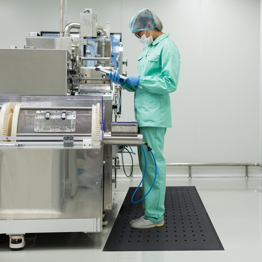 workplace matting for the healthcare industry with anti-fatigue mats