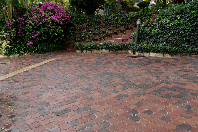 Style conformity with Conleaf pavers