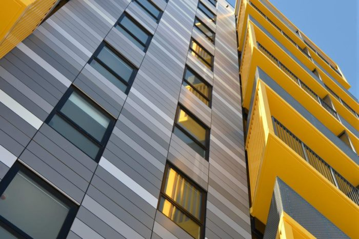 use colour cladding to draw attention to the architecture